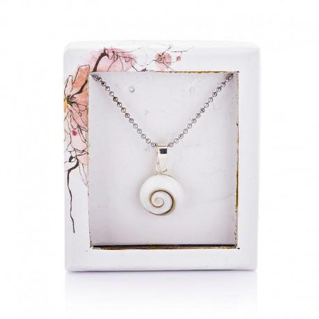 collier fantaisie blanc avec oeil de sainte lucie